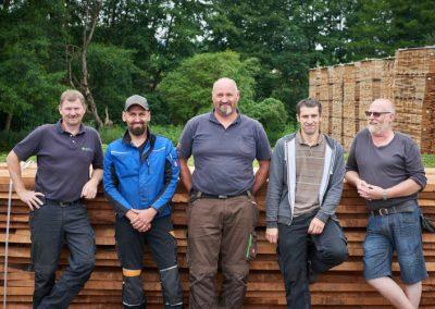 Fünf Mitarbeiter von Holz Bröker