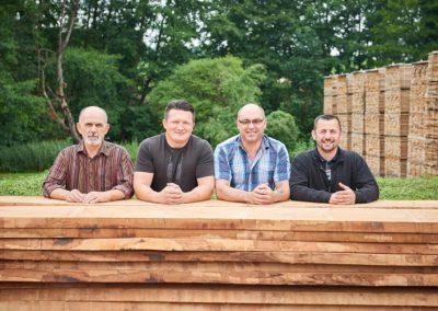 Vier Mitarbeiter von Holz Bröker